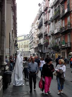 NAPOLI - Via Roma - Statua vivente