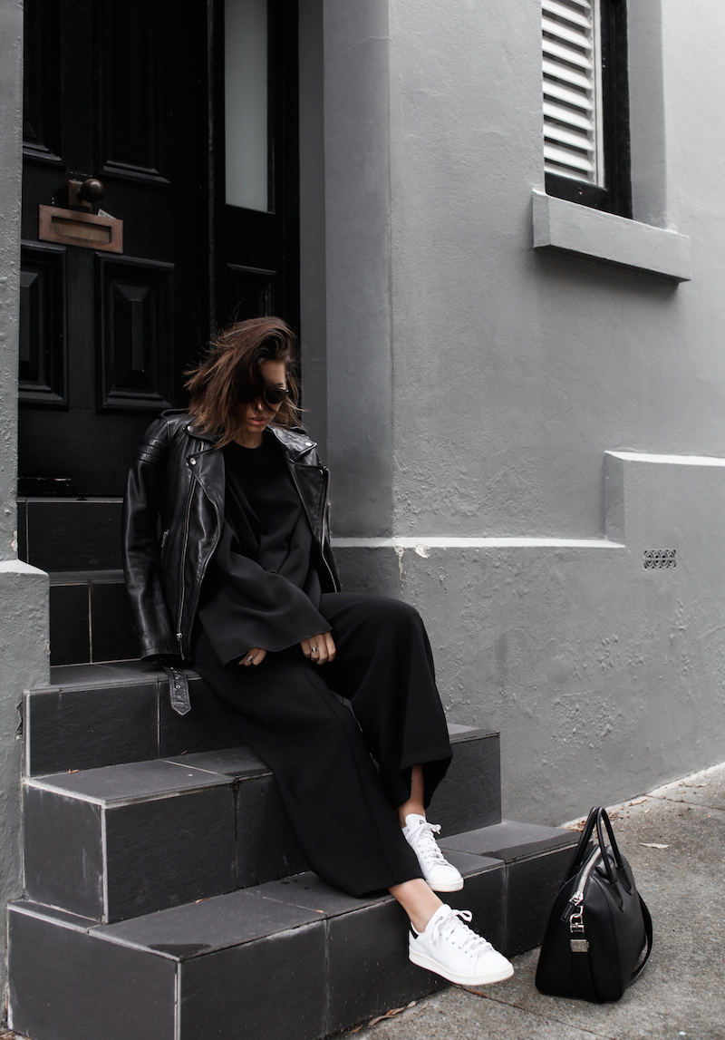 Adidas Stan Smith, black, off duty street style, BLK DNM leather biker jacket, Givenchy Antigona medium bag, fashion blogger, modern legacy
