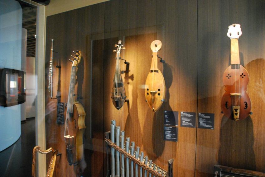 Bits of Belgium: Musical Instruments Museum || Melanophilia.com