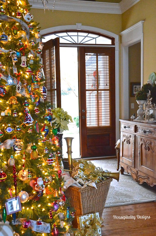 Christmas 2015/Foyer - Housepitality Designs
