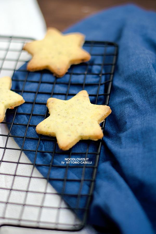 Biscotti di pasta frolla alle mandorle e pistacchi
