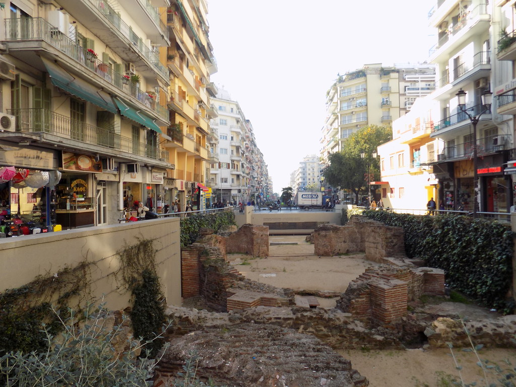Dimitriou Gounari Street and ruins