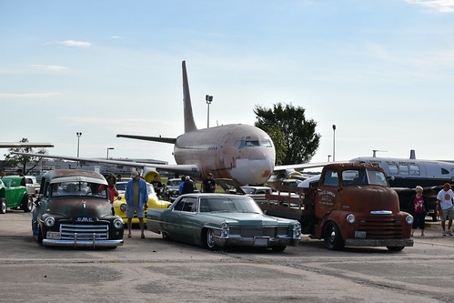 wichita kansas aviation museum straykat starliner 250 stray kat kustoms gmc chevrolet cadillac canopyexpress coe weems knight