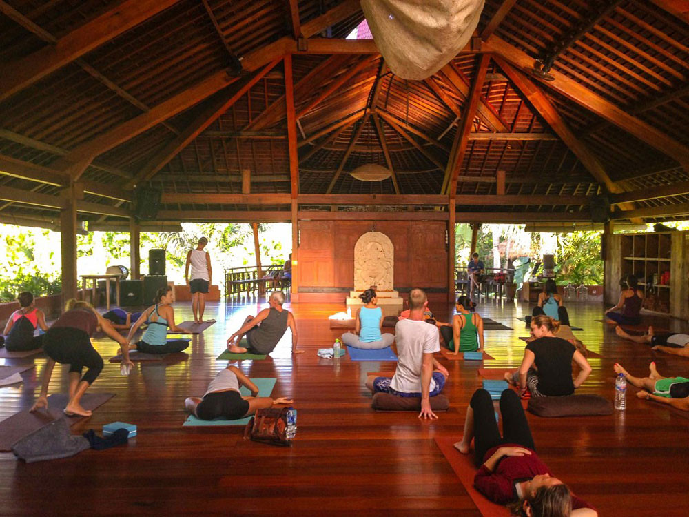 4-yoga-barn-by-movingtobali-com