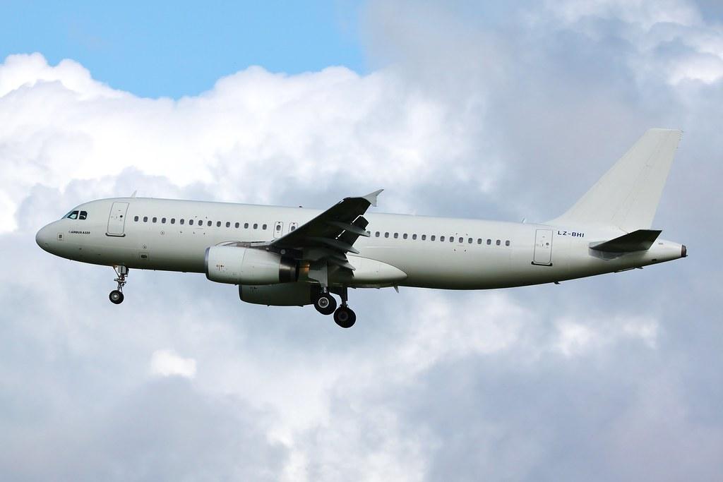 LZ-BHI - A320 - BH Air