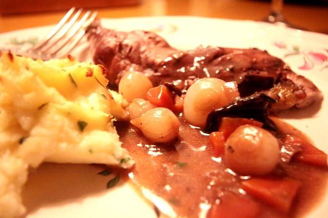 fazant met rode wijn en paddenstoelen