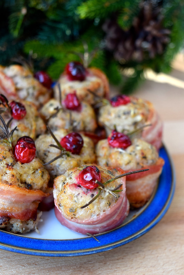 Christmas Stuffing Bites | www.rachelphipps.com @rachelphipps