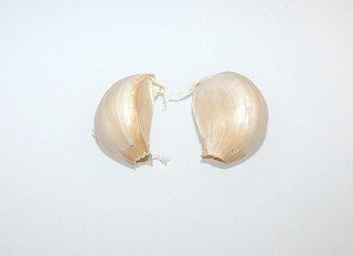 10 - Zutat weiteres Knoblauch / Ingredient more garlic
