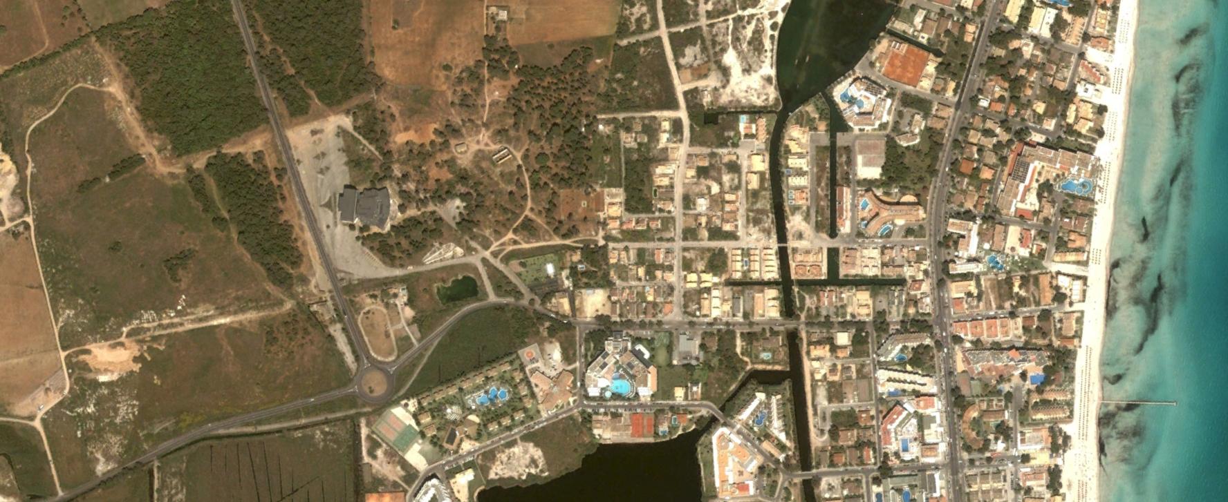 platja d'alcudia, mallorca, illes balears, un sitio malo para pasar una resaca, antes, urbanismo, planeamiento, urbano, desastre, urbanístico, construcción
