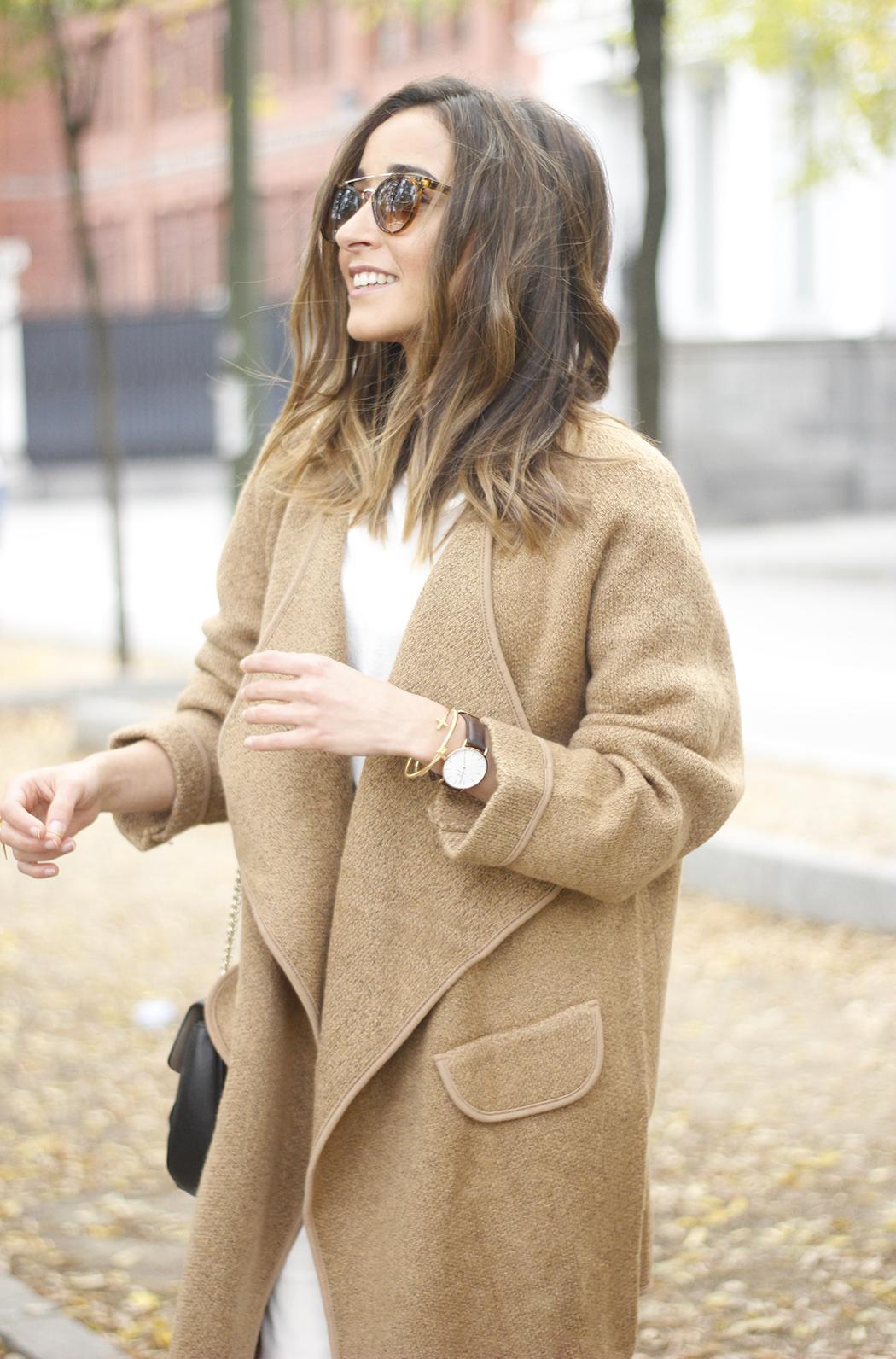 Camel Coat sheinside white outfit heels uterqüe purse outfit17