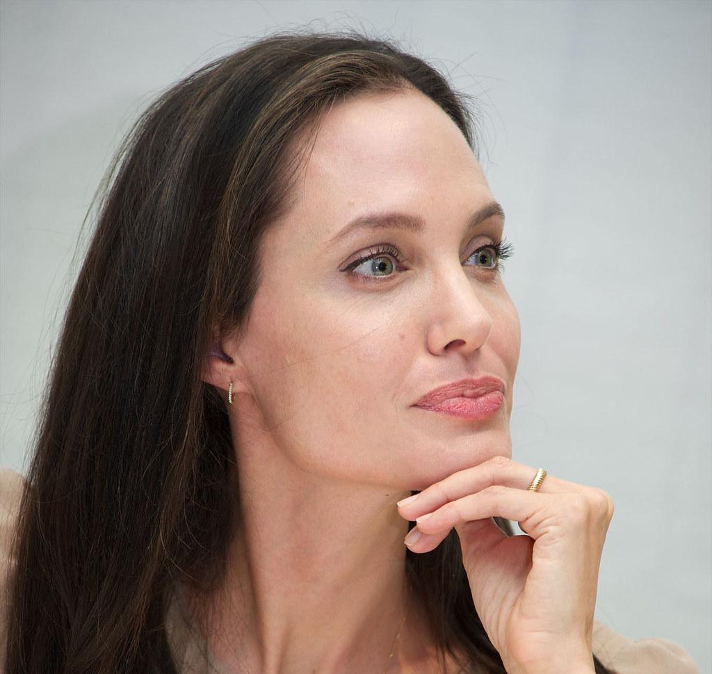 Анджелина Джоли — Пресс-конференция «Лазурный берег» 2015 – 10