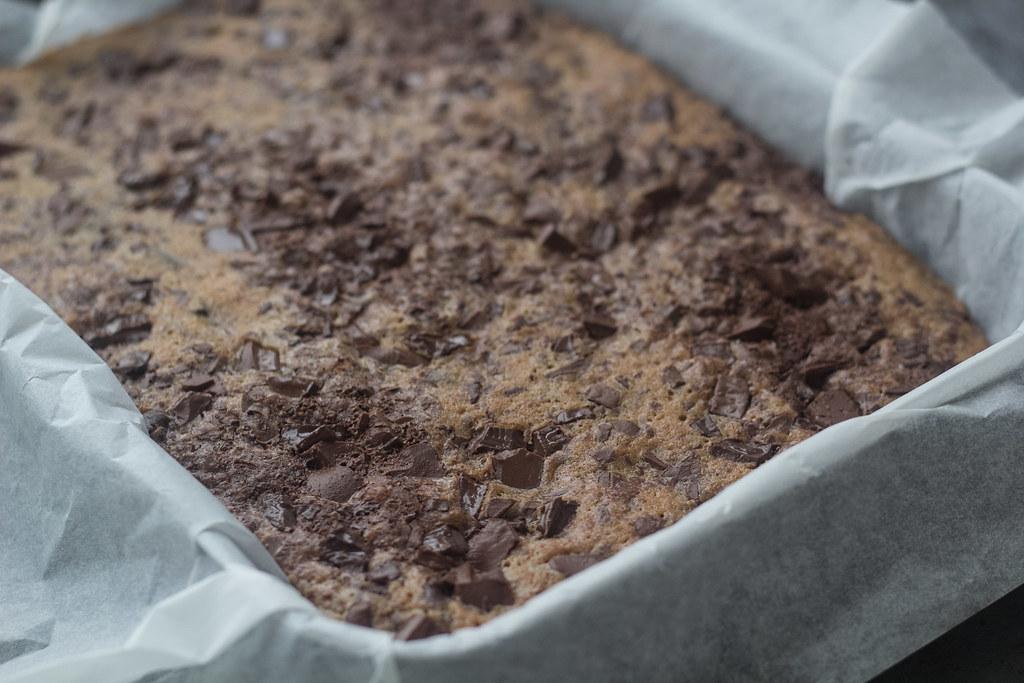 Banan brownie med chokoladestykker (8)