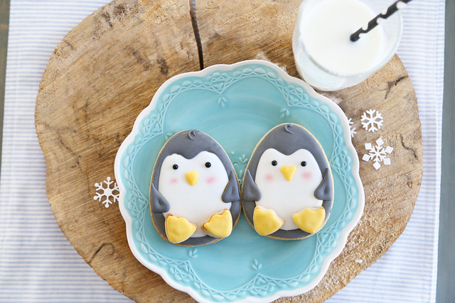 christmas morning penguin cookies