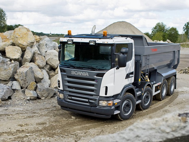 Самосвал Scania G420 8x4 Tipper. 2005 – 2010 годы