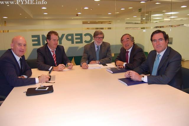 Reunión del Presidente de CONFAES con los dirigentes de la CEOE, CEPYME y CECALE.