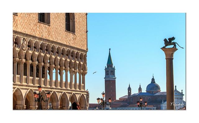 Le lion de Saint-Marc sur la Piazzetta - Venise