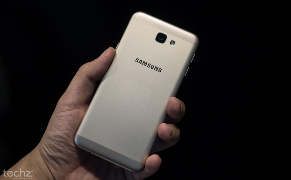 Nhanh tay sở hữu Samsung Galaxy J5 Prime giảm giá cực mạnh