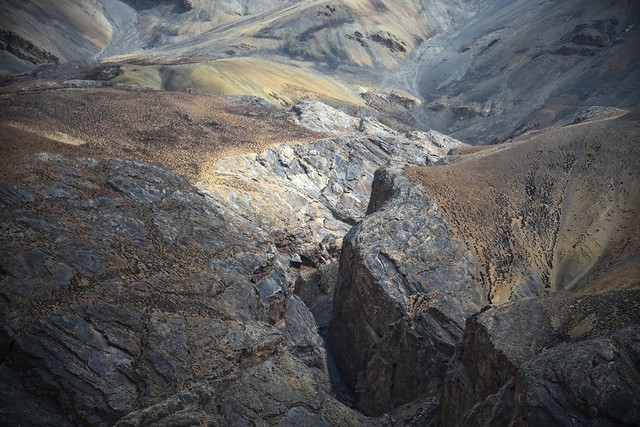 Landscape near Lachlung La pass, India 2016
