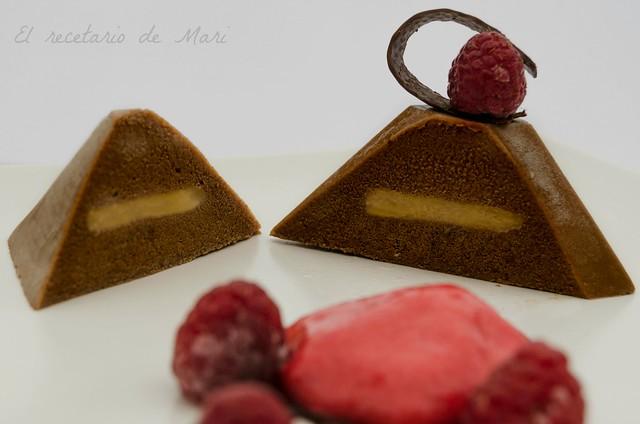 Pirámide de chocolate con interior de toffe 2