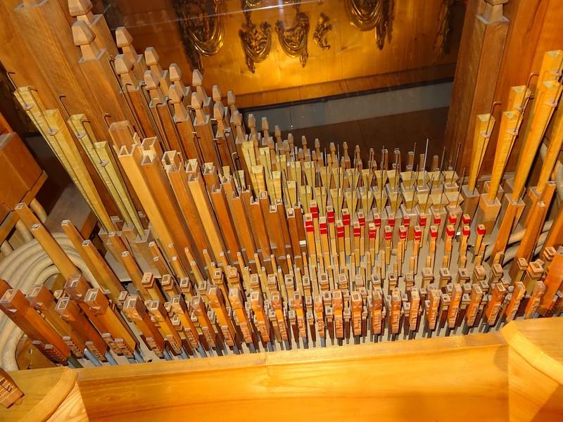 Le muséee suisse de l'orgue (en Suisse)  20955789789_e082ee3bcd_c