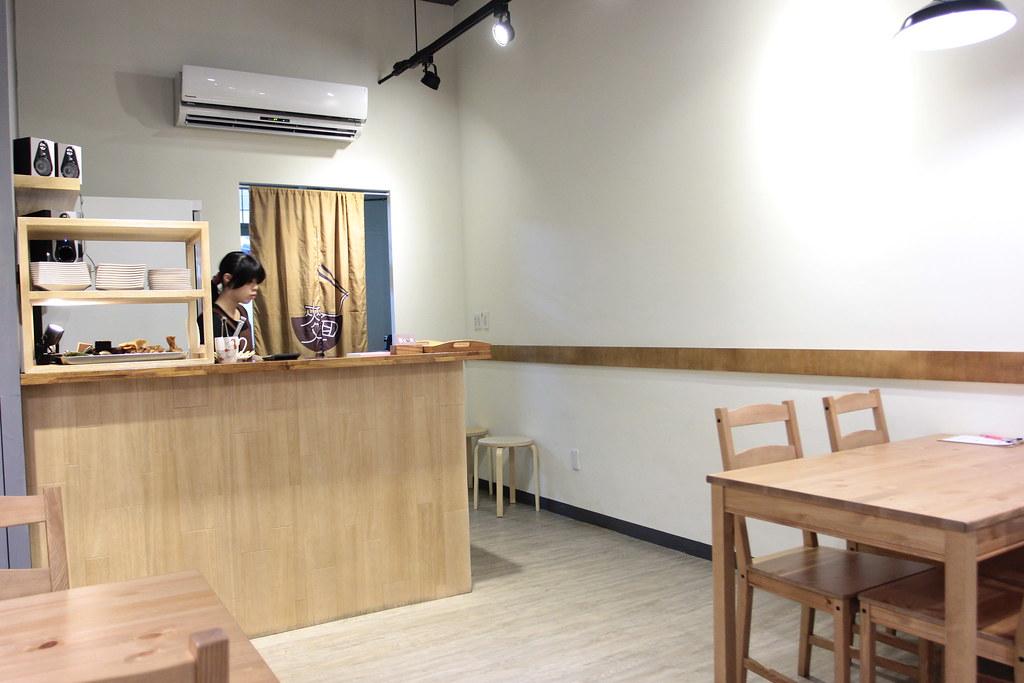 店內一景,後方是小菜區