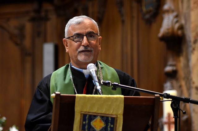 Mgr Pios Cacha en visite à Bordeaux