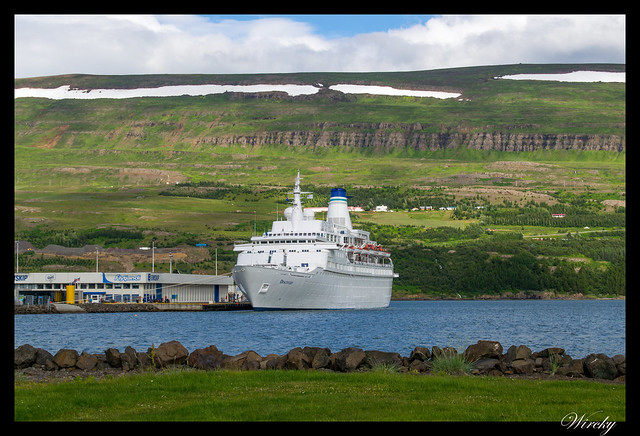 Crucero en puerto de Akureyri