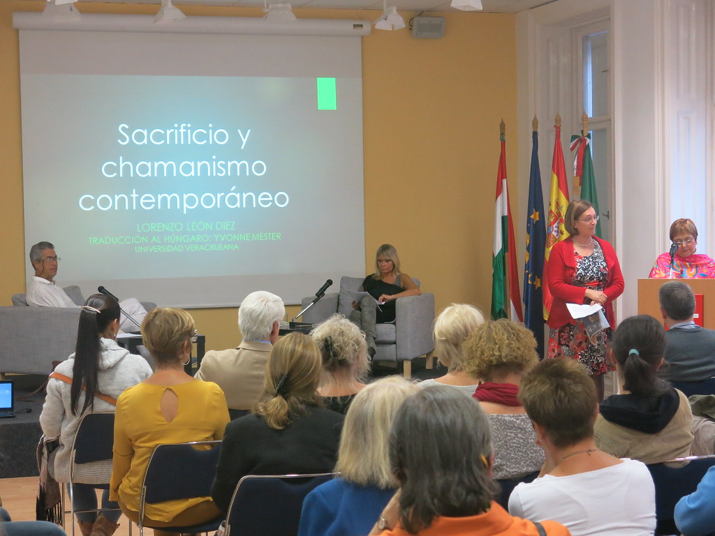 Conferencias del Prof. Lorenzo León Diez en Hungría