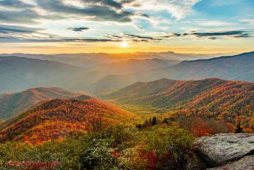 usa fall nature landscape geotagged outdoors photography unitedstates hiking tennessee northcarolina hdr waynesville greatsmokymountainsnationalpark crestmont mountcammerer geo:country=unitedstates camera:make=canon exif:make=canon geo:state=northcarolina catonsgrove tamronaf1750mmf28spxrdiiivc exif:lens=1750mm exif:aperture=ƒ16 exif:isospeed=100 exif:focallength=17mm canoneos7dmkii camera:model=canoneos7dmarkii exif:model=canoneos7dmarkii geo:location=crestmont geo:lat=3575242000 geo:lon=8320639500 geo:lon=83160833333333 geo:city=waynesville geo:lat=35763611666667 geo:lat=3576369833 geo:lon=8316091000