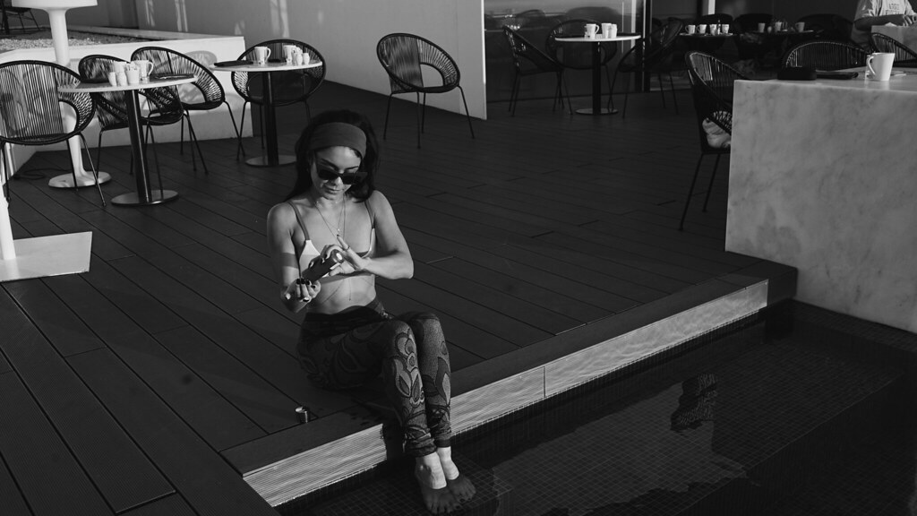 Ванесса Хадженс — Фотосессия для «Find Your California» 2015 – 90