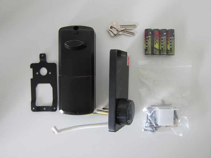 Igloohome Smart Deadbolt Lock 02 - Box Contents