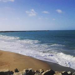 """""""Alem disso, quero-te, e faz tempo e frio"""" * Julio Cortázar #BlogAuroradeCinemaregistra #mar #maresia #ondas #praia"""