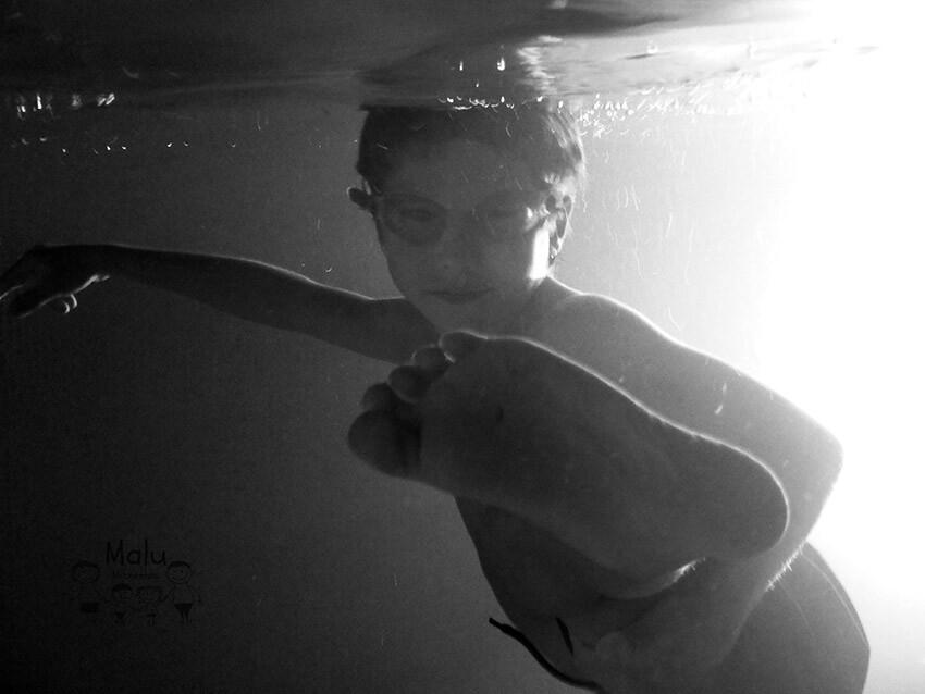 #17 Litel Pipol - Karake Kid underwater