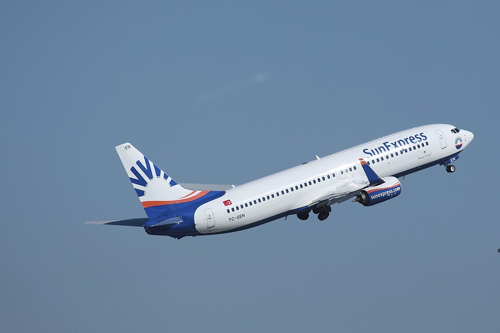 TC-SEN - B738 - SunExpress