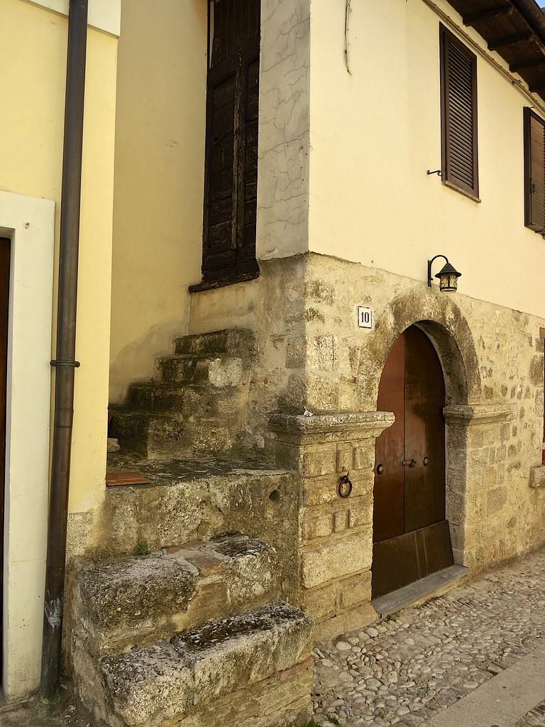 Norcia, vanha rakennus