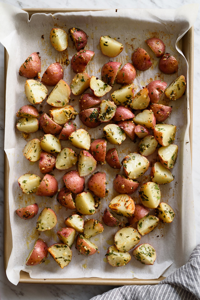Crispy Garlic-Parmesan Roasted Red Potatoes via forkknifeswoon.com