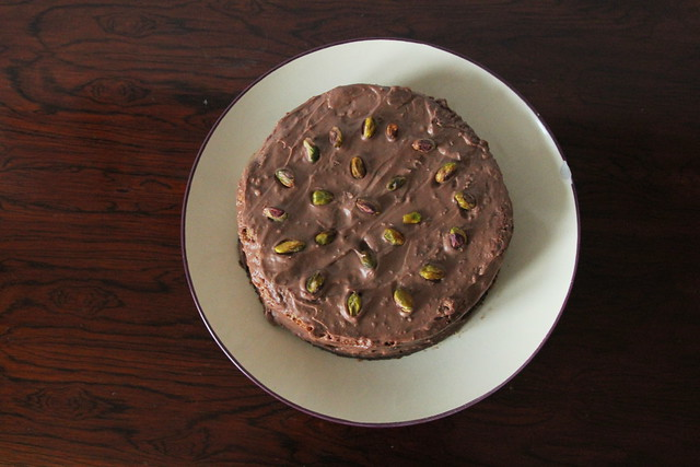 Pistachio and milk chocolate cake