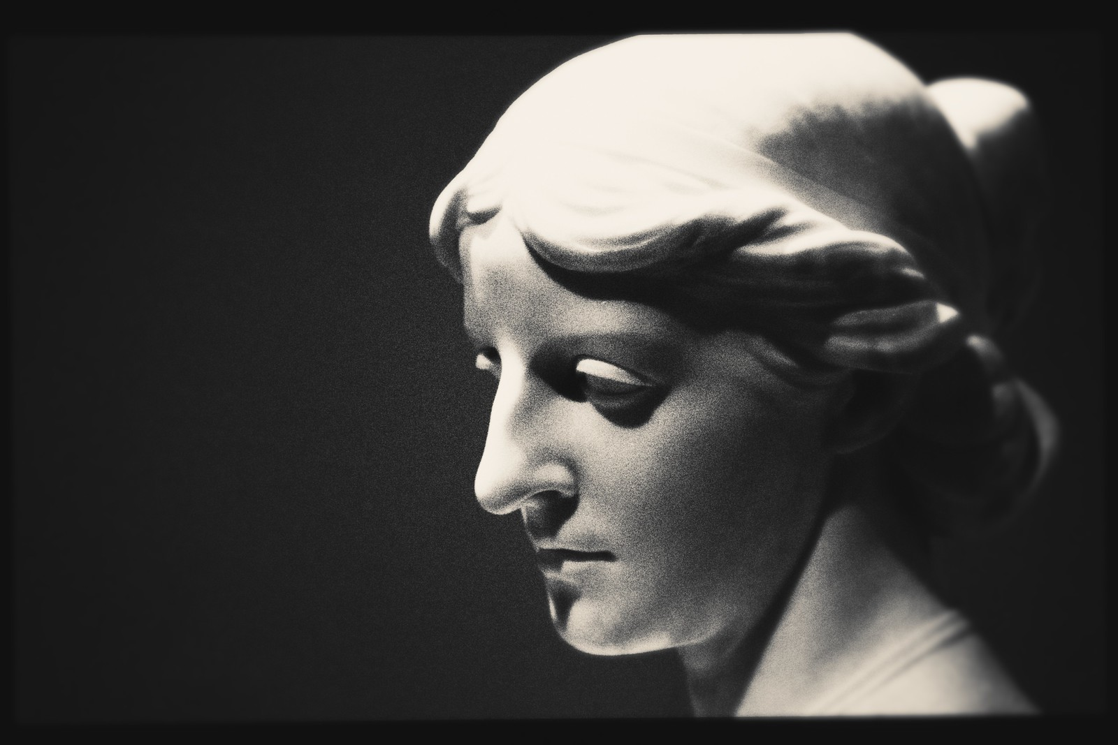 "Portrait of Erastus Dow Palmer's ""Head of a Lady"", High Museum of Art."