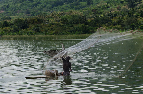 ashanti ghana fishing lake water africa westafrica bosumtwi botsomtwe