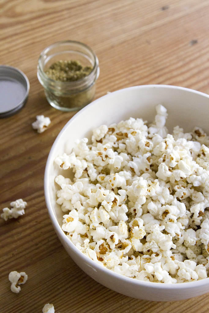 za'atar popcorn | reading my tea leaves