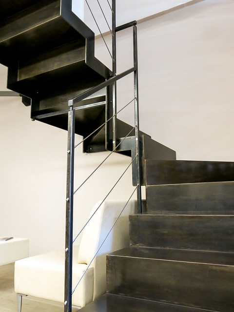 Iron staircase made to measure