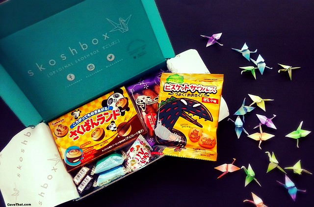 Inside the November Skoshbox of Japanese Candy