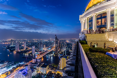 city blue roof urban building rooftop bar night canon river spectacular asian thailand restaurant golden amazing asia southeastasia cityscape view state outdoor bangkok balcony hour thai dome adrian bluehour southeast chandler th towner lebua adrianchandler canon5dsr 5dsr statetowner