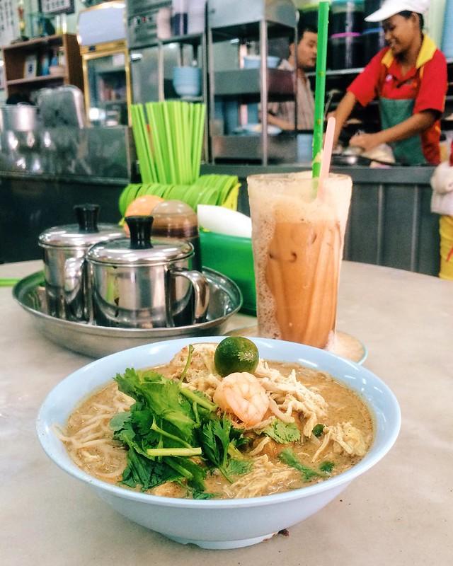 Yee fung laksa and Teh Tarik ping for breakfast. Voted Top 20 foods in Kota Kinabalu city #sabahfoodawards2015