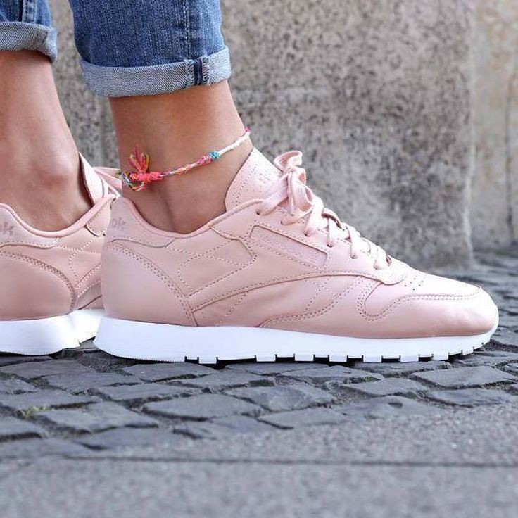 bd939986dcf423 ... Tendance Chausseurs Femme 2017 – Sneakers femme – Reebok Classic  Leather NT (©sapatostore)