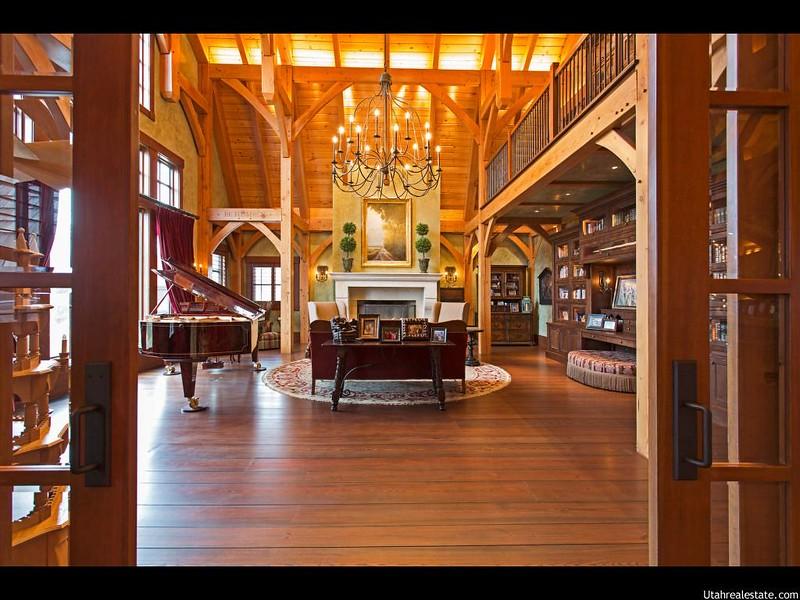 Дорогой дизайн интерьера дома