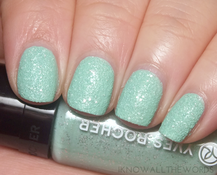 Yves Rocher Holiday 2015 Botanical Colour Nail Polish Frosted Green