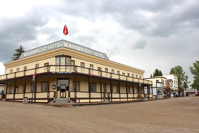 heritage-park-wainwright-hotel