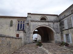 Hôpital des pèlerins de Pons - Pons - Photo of Saint-Quantin-de-Rançanne
