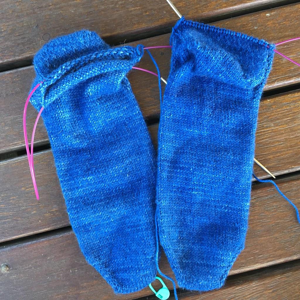 blue tip top toe socks
